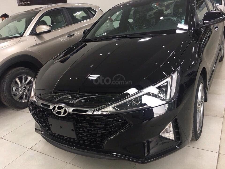 Bán Hyundai Elantra 2019, giá chỉ từ 535 triệu (3)