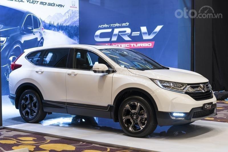 Khuyến mại lớn CRV 2019 bản L màu trắng. Lh: 0964.0999.26 để nhận ưu đãi cao nhất (1)