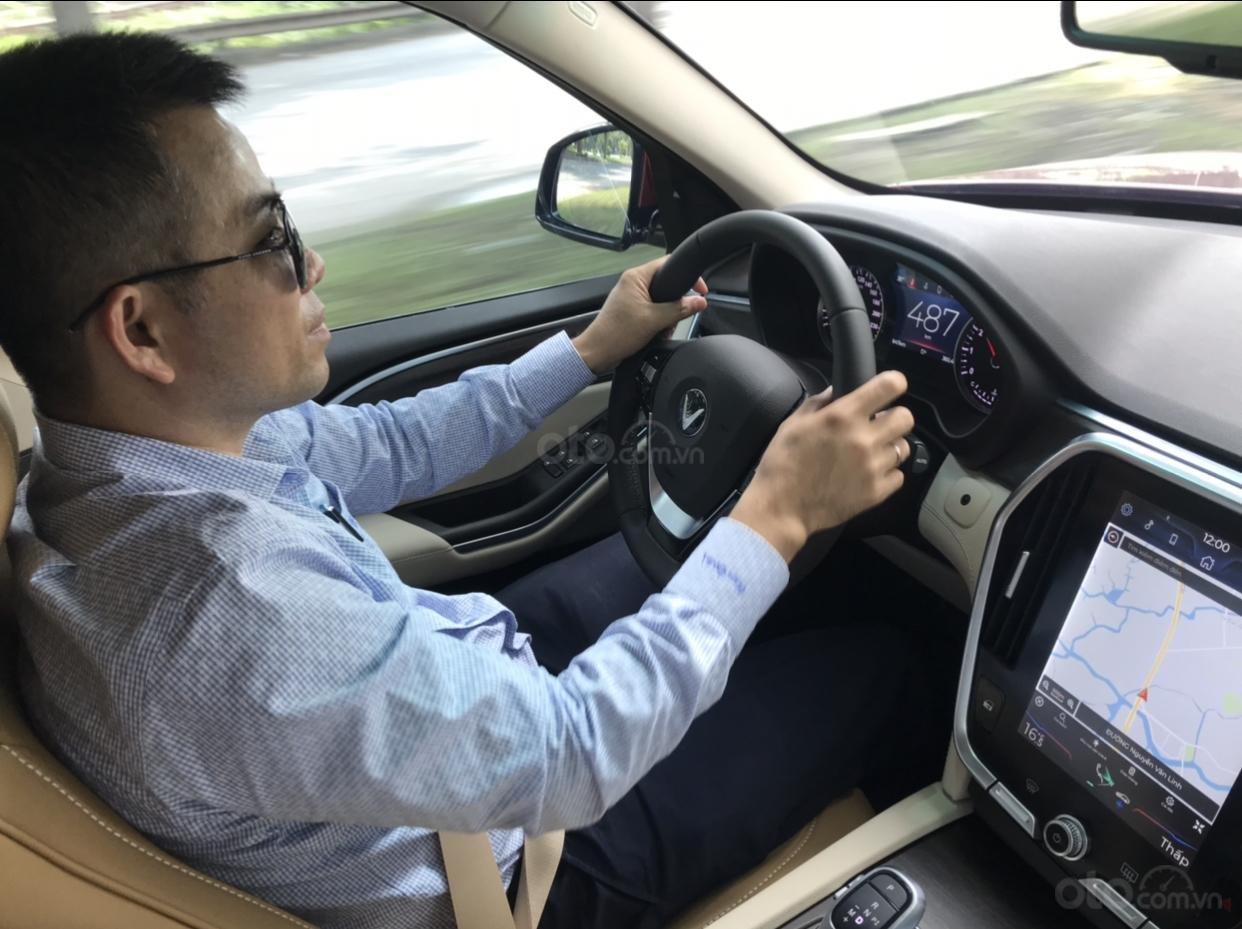 Nhượng lại VinFast LUX SA2.0 D Premium Full Option đời 2019, màu đỏ giá 50 triệu liên hệ Mr Tâm 0946167629 (7)