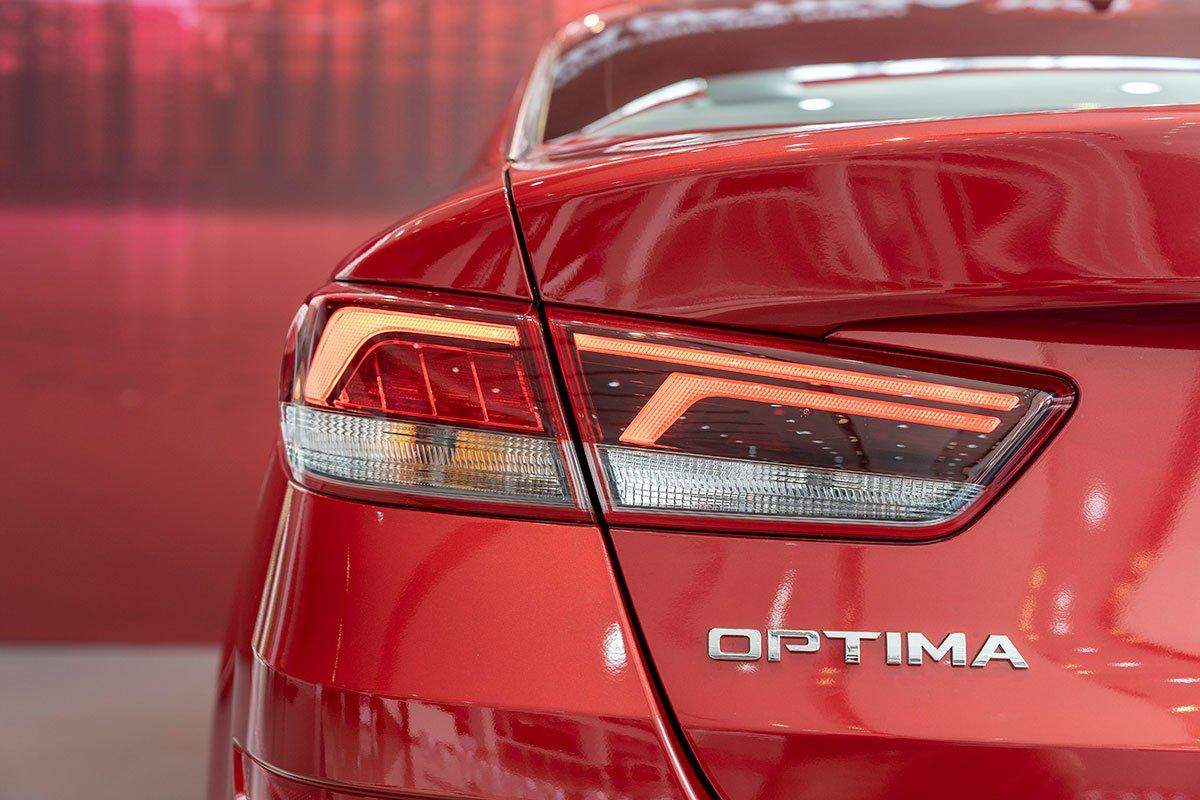 So sánh xe Mazda 3 2020 và Kia Optima 2020 a21