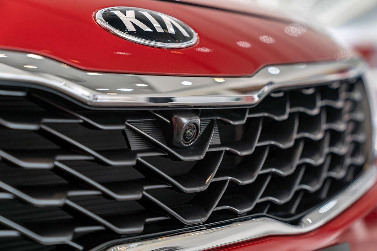 So sánh xe Mazda 3 2020 và Kia Optima 2020 a13