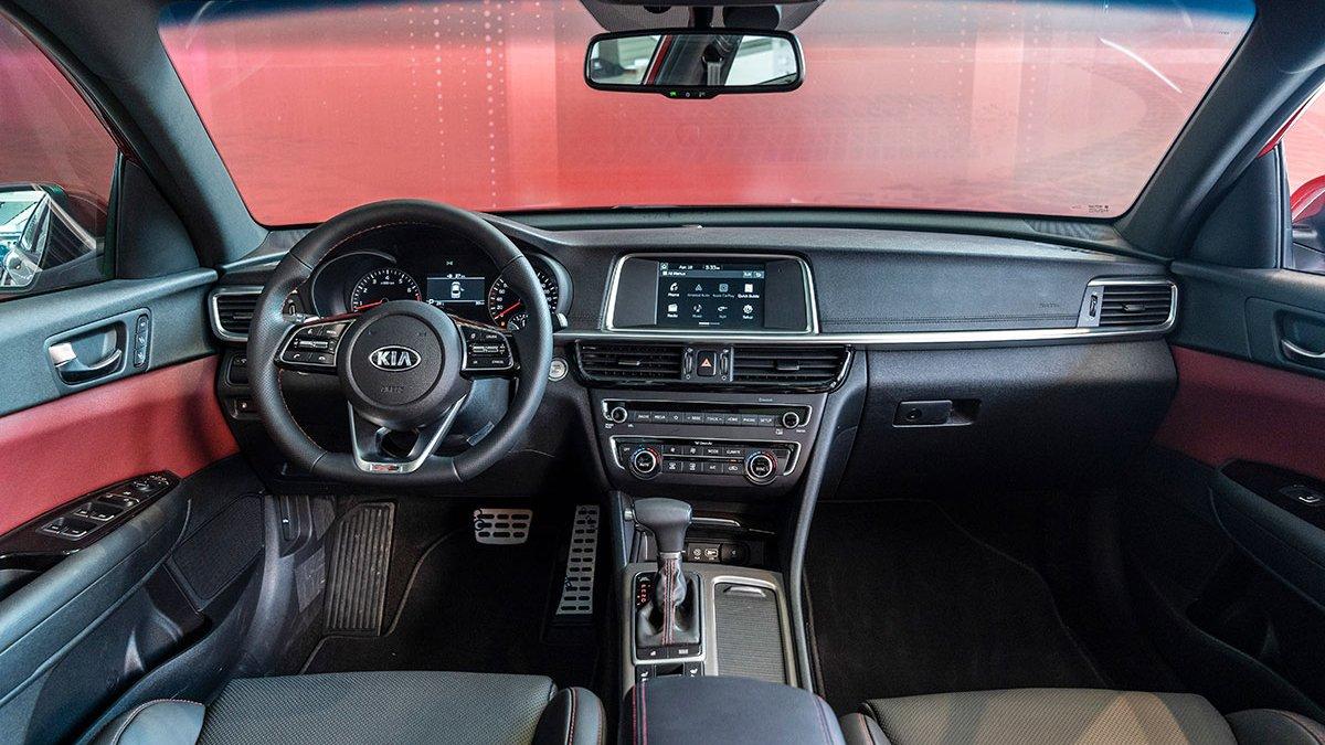 So sánh xe Mazda 3 2020 và Kia Optima 2020 a9