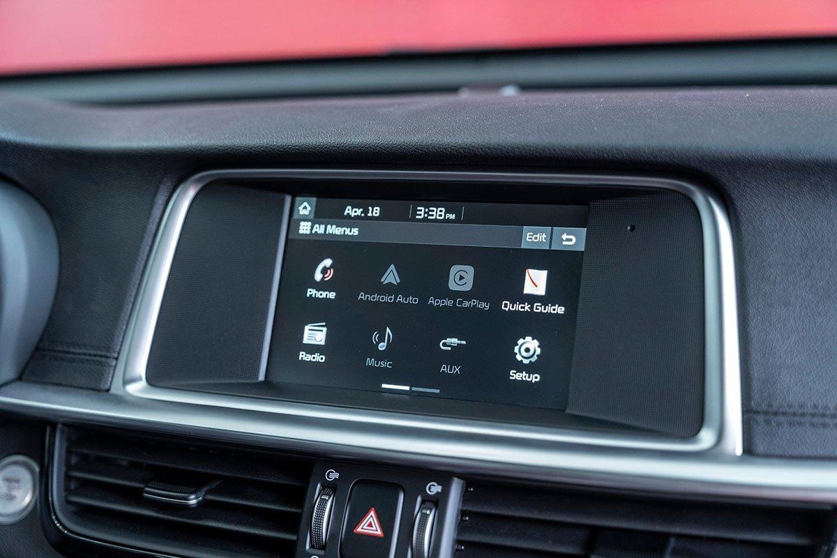 So sánh xe Mazda 3 2020 và Kia Optima 2020 về ghế ngồi a31