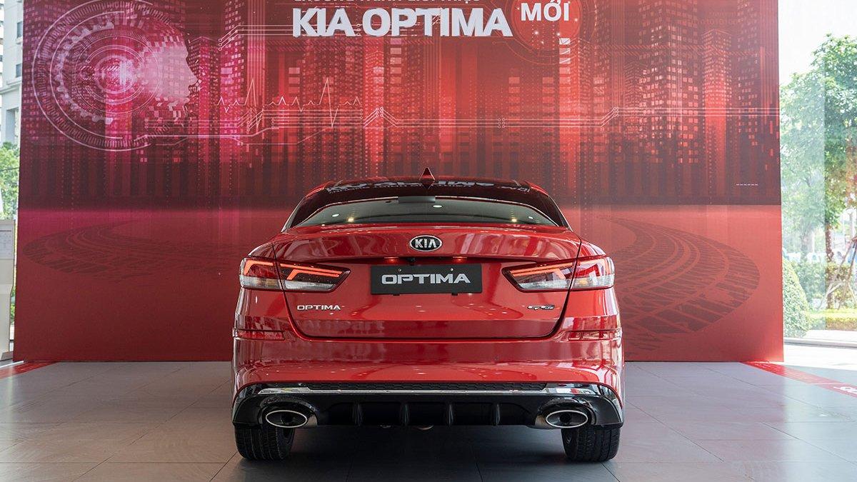 So sánh xe Mazda 3 2020 và Kia Optima 2020 a7
