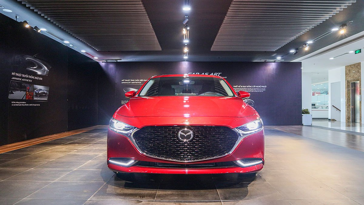 So sánh xe Mazda 3 2020 và Kia Optima 2020 a2