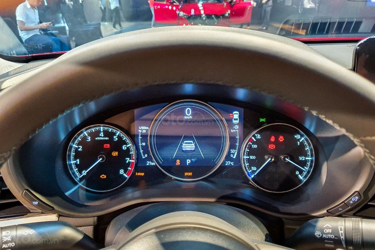 So sánh xe Mazda 3 2020 và Kia Optima 2020 a24