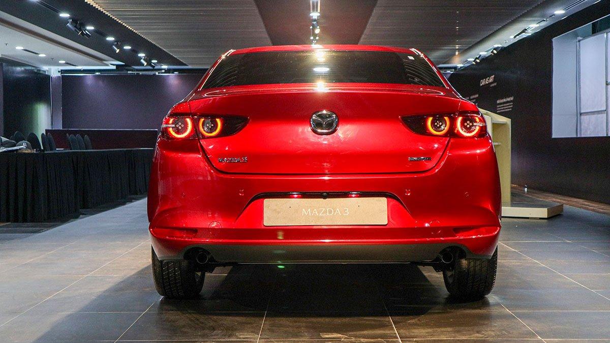 So sánh xe Mazda 3 2020 và Kia Optima 2020 a6