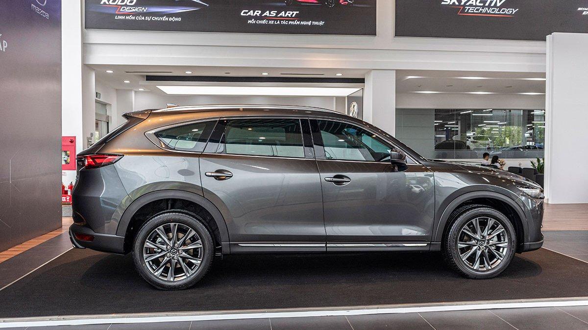 Ảnh chụp thân xe  Mazda CX-8 2019