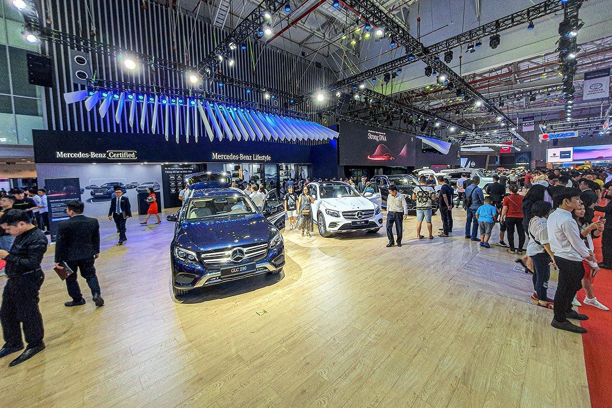 """[VMS 2019] Gian hàng Mercedes-Benz: GLE 450 4MATIC và Mercedes-AMG G 63 """"chiếm sóng""""! a10"""