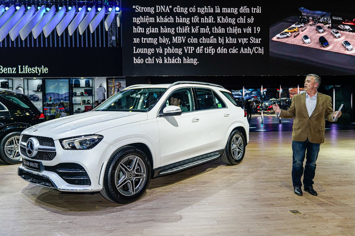 """[VMS 2019] Gian hàng Mercedes-Benz: GLE 450 4MATIC và Mercedes-AMG G 63 """"chiếm sóng""""! a9"""