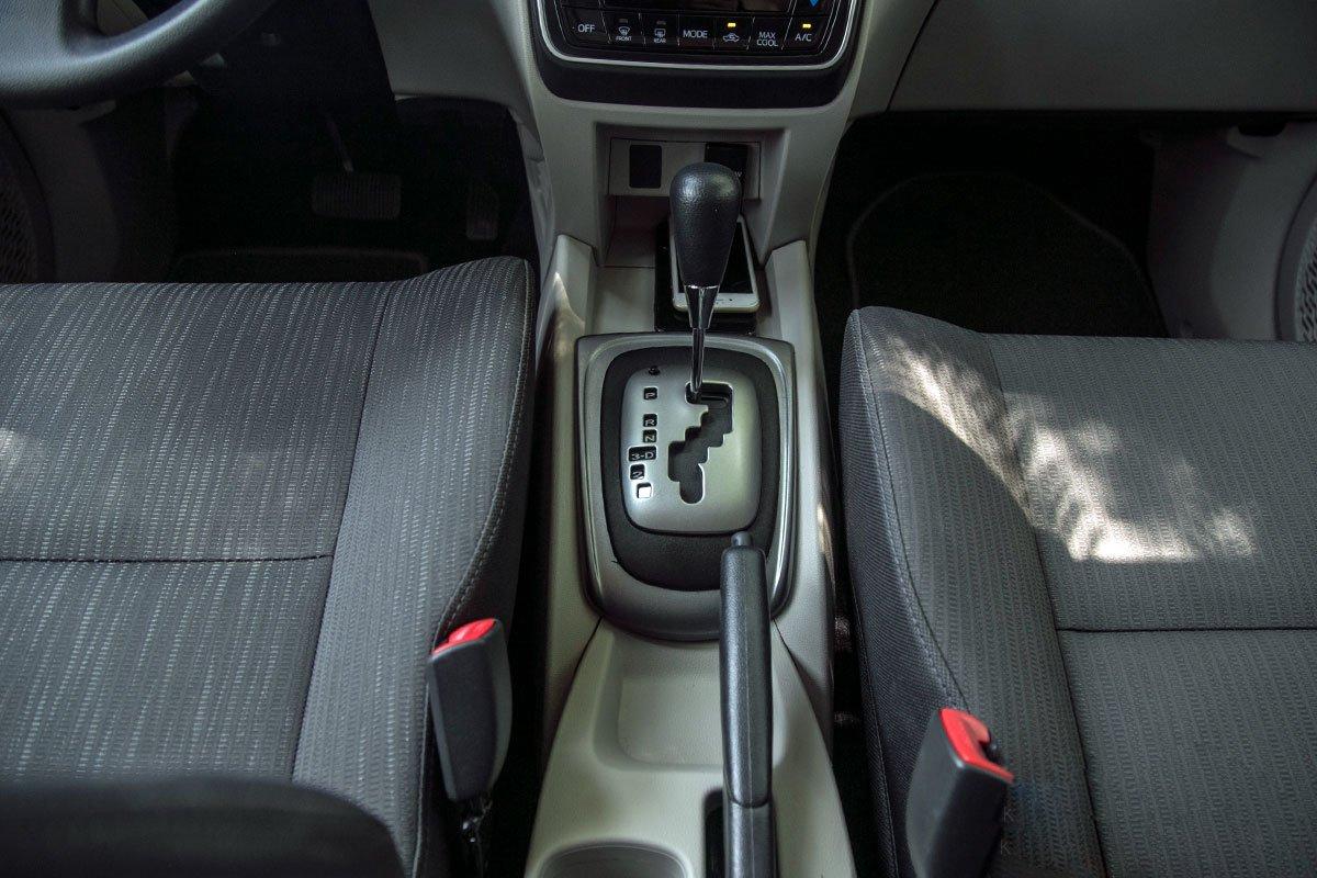 Đánh giá xe Toyota Avanza 2019 1.5 AT: Cổng sạc cho hàng ghế thứ 2.