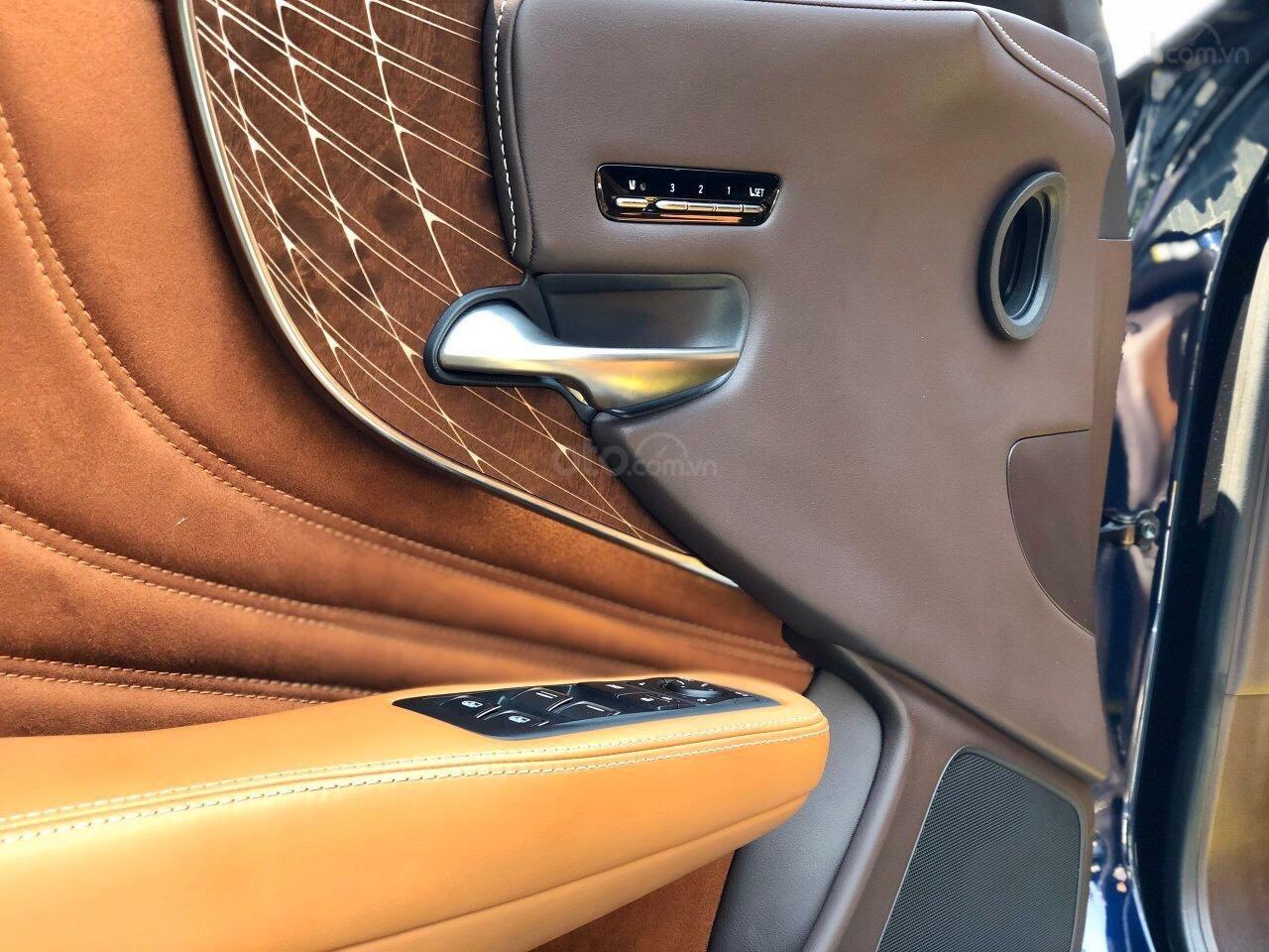 Bán xe Lexus LS 500H 2017, màu xanh lam, giá tốt giao ngay toàn quốc, LH Ngọc Vy 093.996.2368 (14)