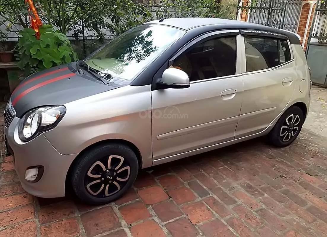 Cần bán Kia Morning 2009, màu bạc số sàn xe còn mới lắm (1)