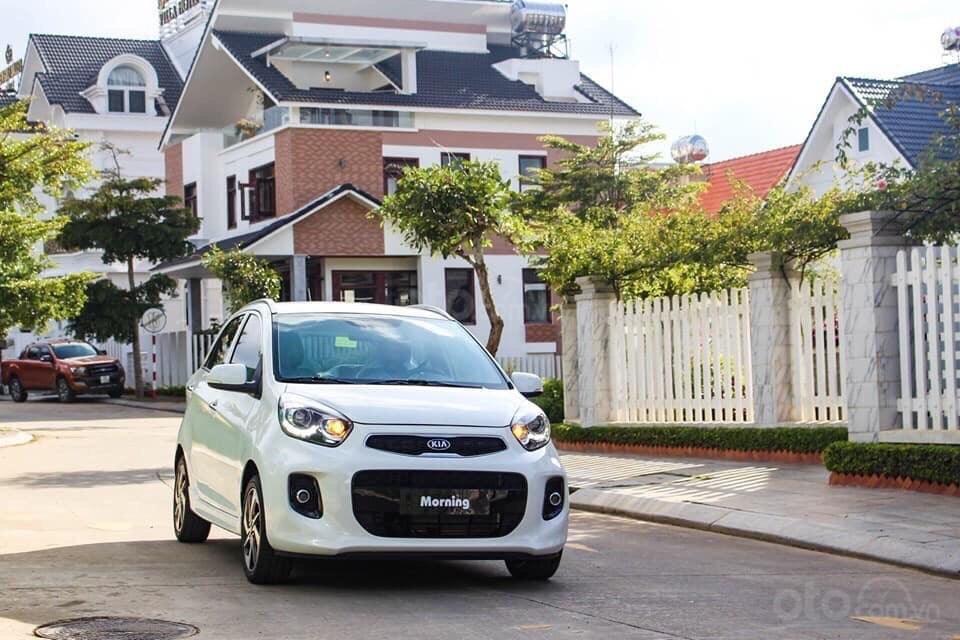 Kia Morning Luxury, giảm giá hơn 10tr + tặng phụ kiện hấp dẫn, đưa trước 140tr lấy xe (1)