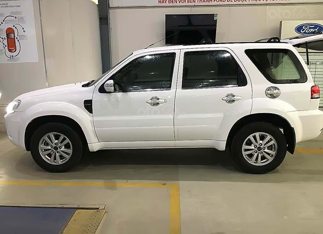 Cần bán xe Ford Escape đời 2013, màu trắng (3)