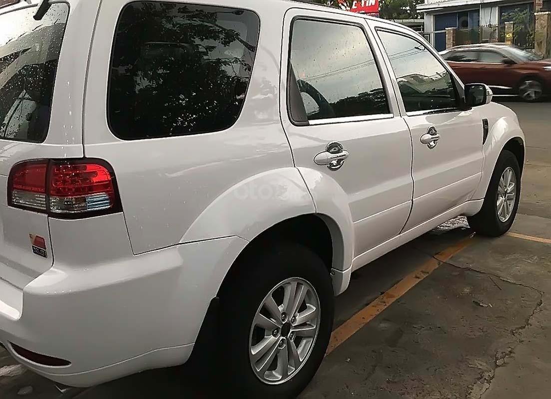 Cần bán xe Ford Escape đời 2013, màu trắng (5)