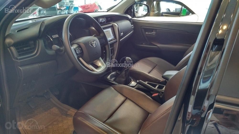 Toyota Fortuner 2.4G MT - 963 triệu - Đủ màu - Ưu đãi quà tặng theo xe - Liên hệ 0903598667 (4)