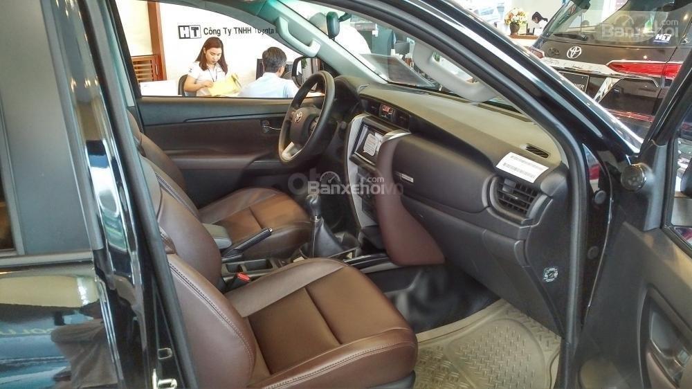 Toyota Fortuner 2.4G MT - 963 triệu - Đủ màu - Ưu đãi quà tặng theo xe - Liên hệ 0903598667 (5)