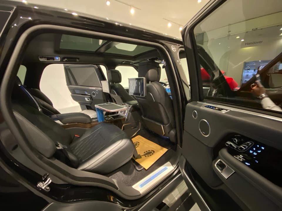 Việt Nam đã có chiếc Range Rover SVAutobiography 2019 chính hãng đầu tiên ra biển trắng A2