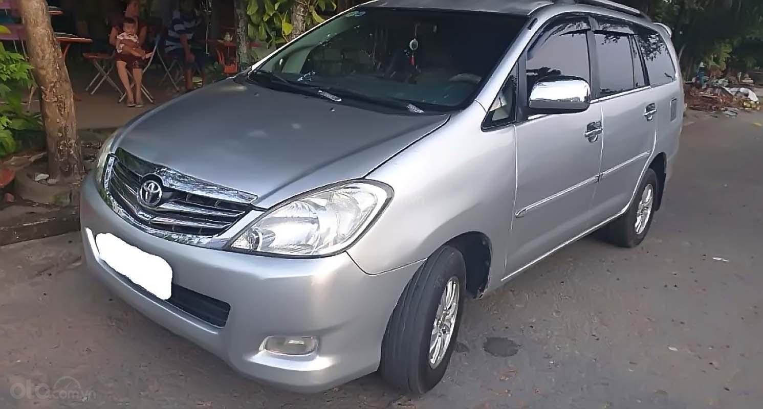 Cần bán Toyota Innova 2.0J đời 2007, màu bạc, xe gia đình  (1)