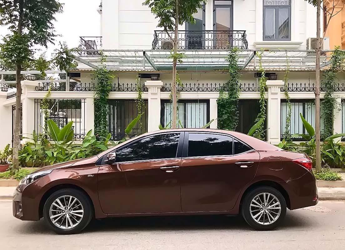 Bán ô tô Toyota Corolla Altis 1.8G 2017, màu nâu, 675tr (2)