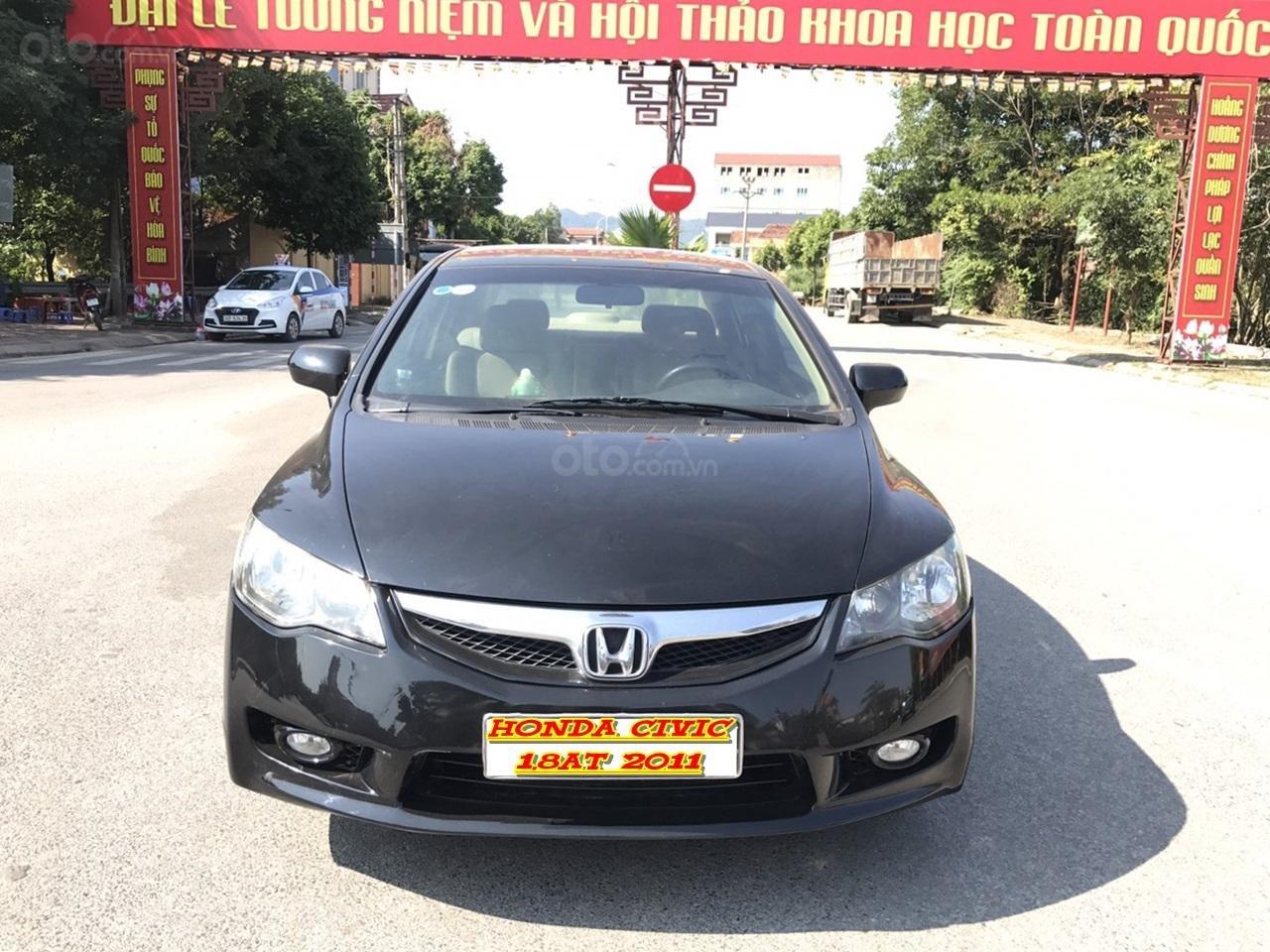 Bán xe Honda Civic 1.8 VTI AT năm sản xuất 2011, màu đen, lỗi biếu xe, mới thật (1)