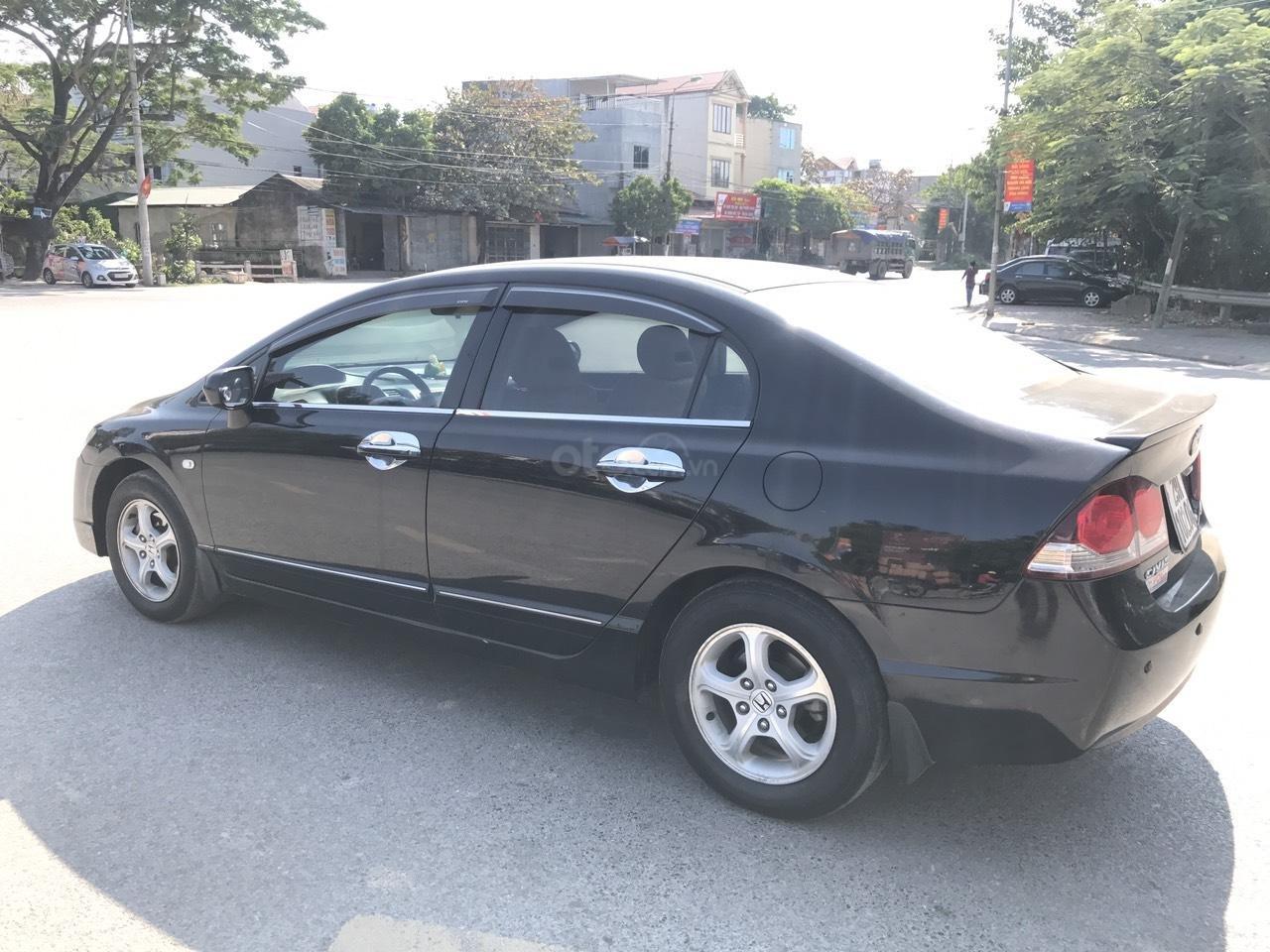 Bán xe Honda Civic 1.8 VTI AT năm sản xuất 2011, màu đen, lỗi biếu xe, mới thật (3)