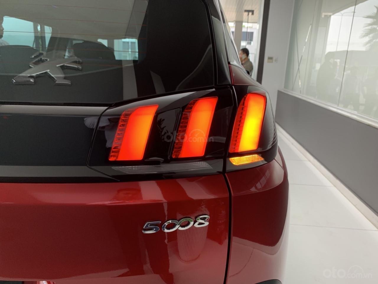Peugeot 5008 đỏ 2019, chạy lướt, mới lăn bánh 57km, chạy dc 2 ngày, cần thanh lý (3)