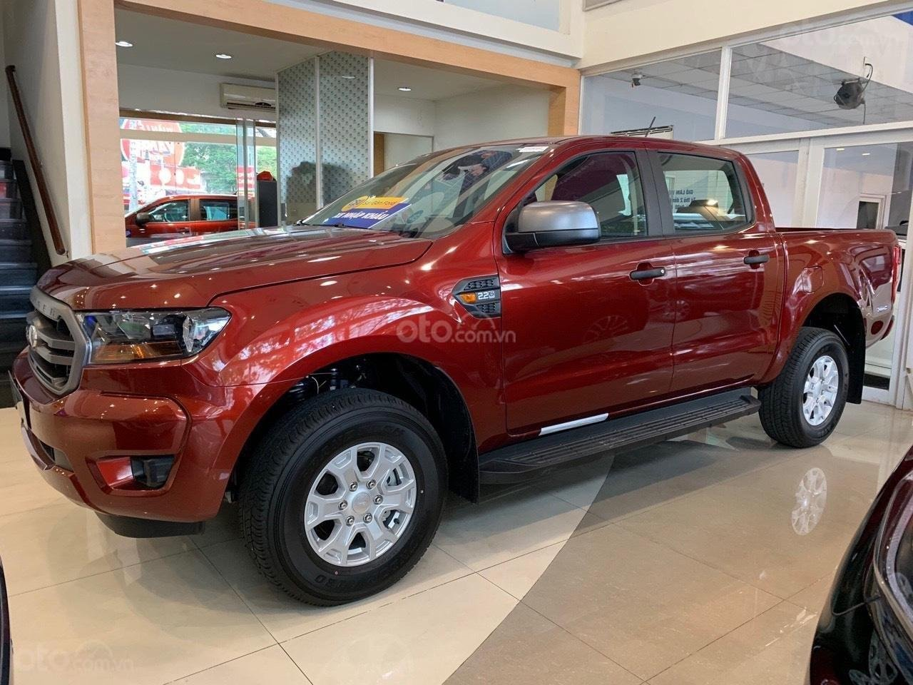 Bán ô tô Ford Ranger XLS AT sản xuất 2019, màu đỏ, xe nhập, giá tốt tặng full phụ kiện, LH 0974286009 (3)
