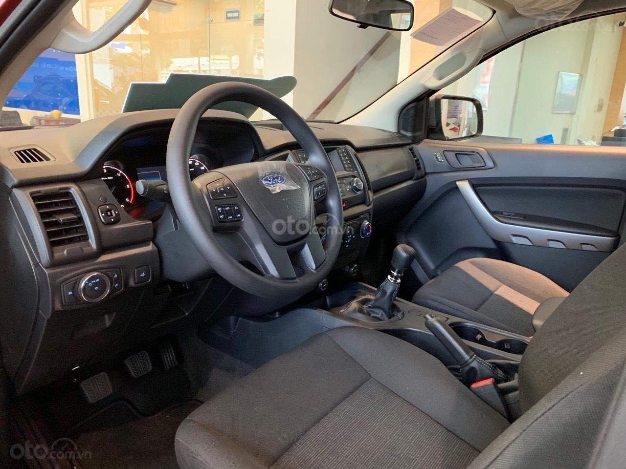 Bán ô tô Ford Ranger XLS AT sản xuất 2019, màu đỏ, xe nhập, giá tốt tặng full phụ kiện, LH 0974286009 (5)