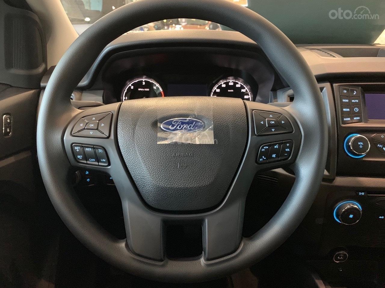 Bán ô tô Ford Ranger XLS AT sản xuất 2019, màu đỏ, xe nhập, giá tốt tặng full phụ kiện, LH 0974286009 (7)