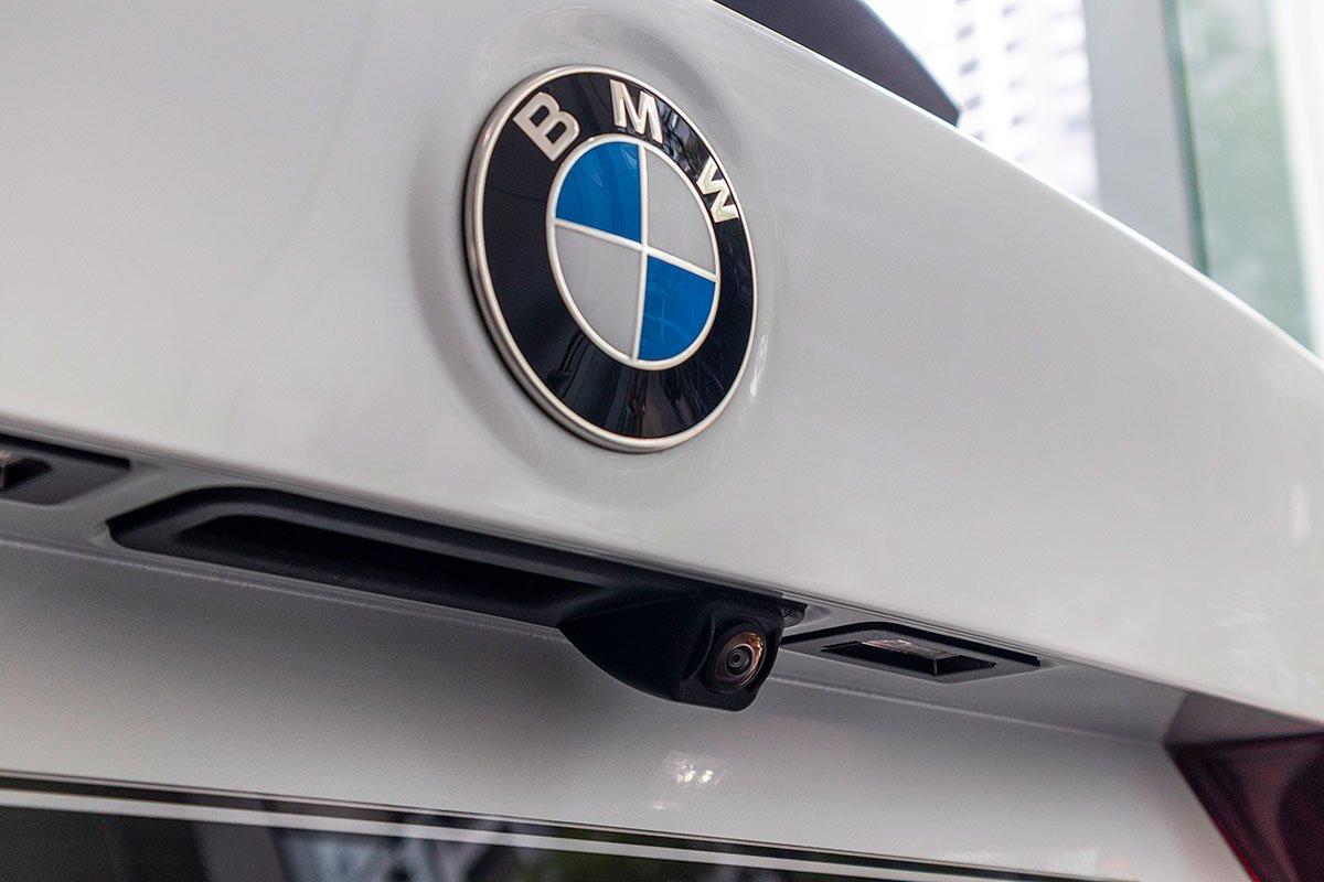 Đánh giá xe BMW X3 2019: Camera lùi.