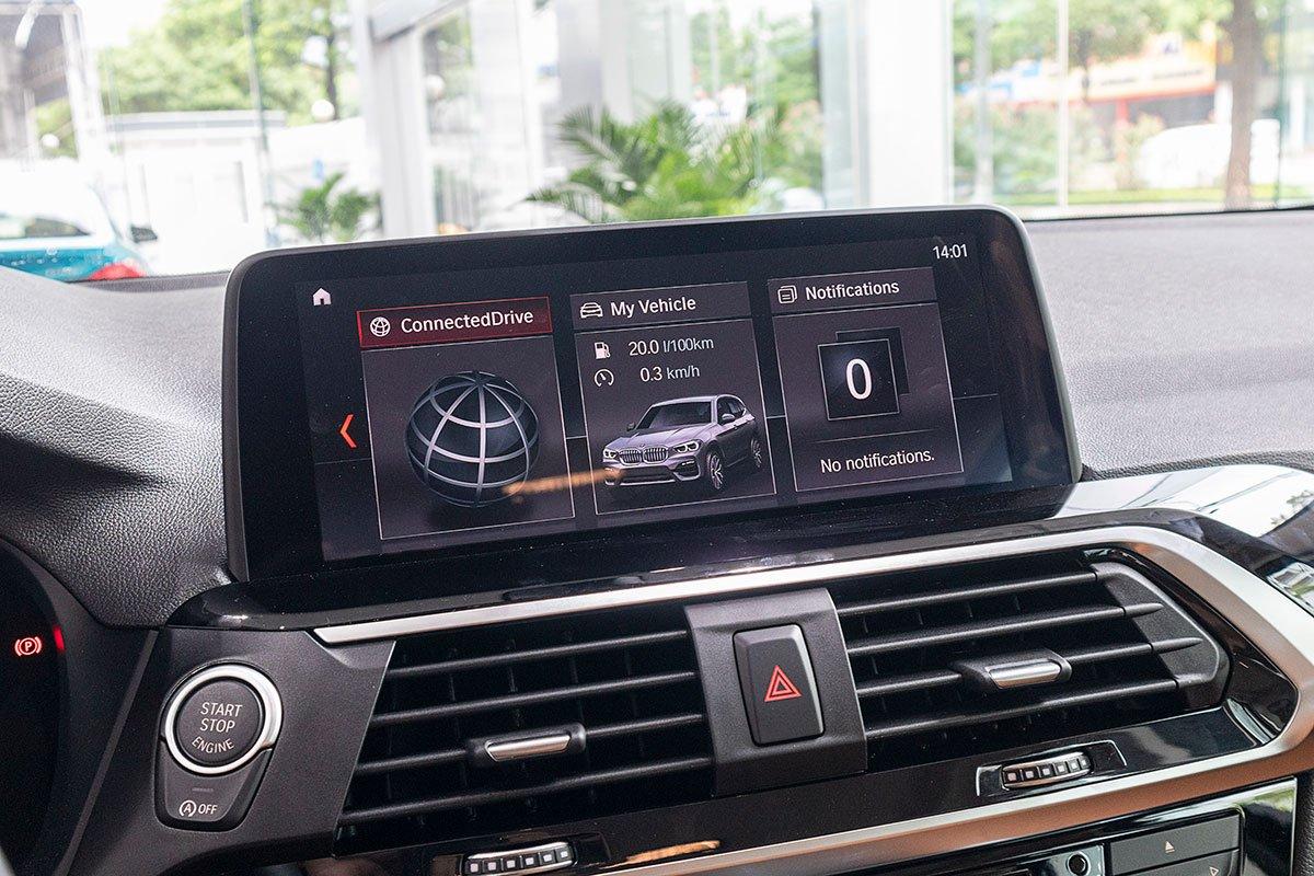 Đánh giá xe BMW X3 2019: Màn hình trung tâm 10,25 inch.