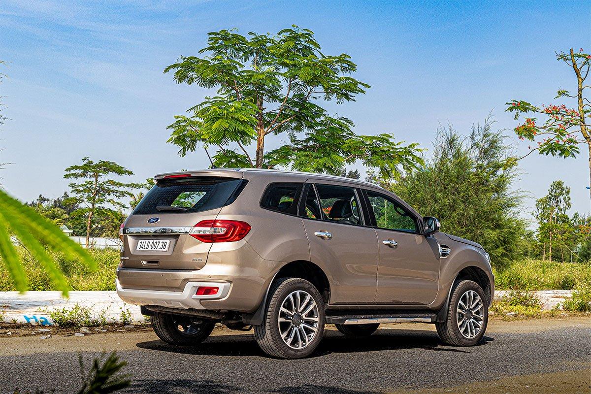 Đánh giá xe Ford Everest Titanium 2.0L Bi-Turbo 2019: vận hành.