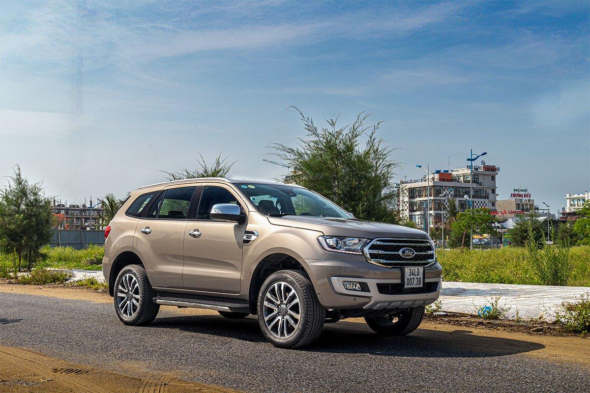 Đánh giá xe Ford Everest Titanium 2.0L Bi-Turbo 2019.