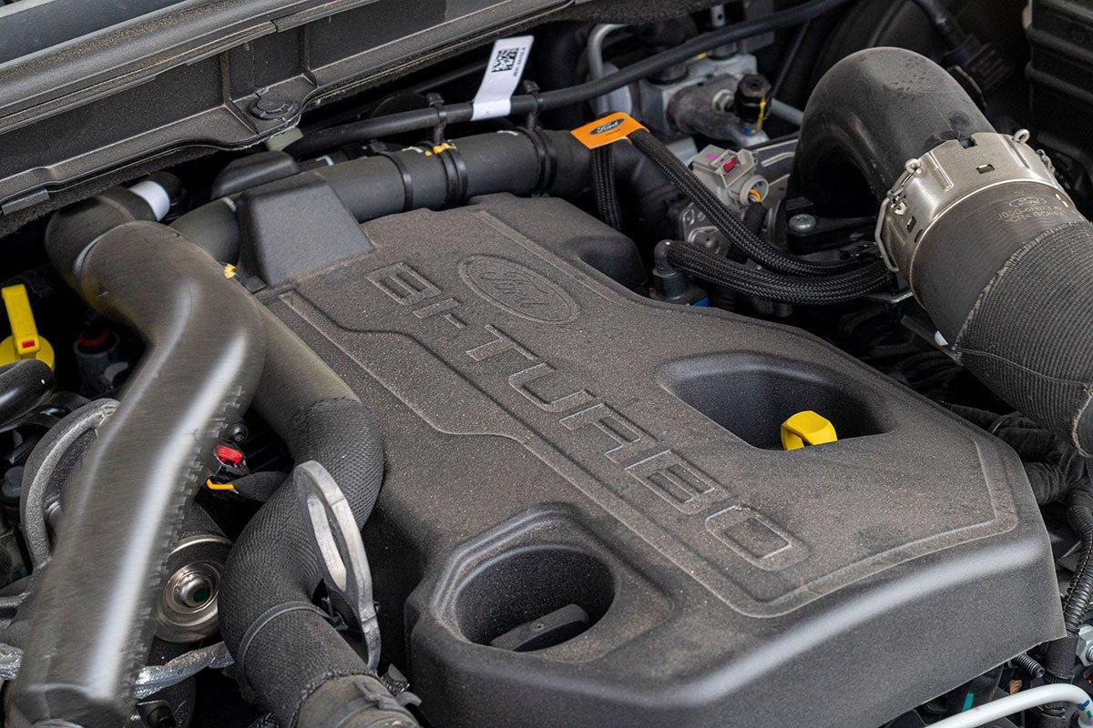 Đánh giá xe Ford Everest Titanium 2.0L Bi-Turbo 2019: Động cơ dầu tăng áp kép.