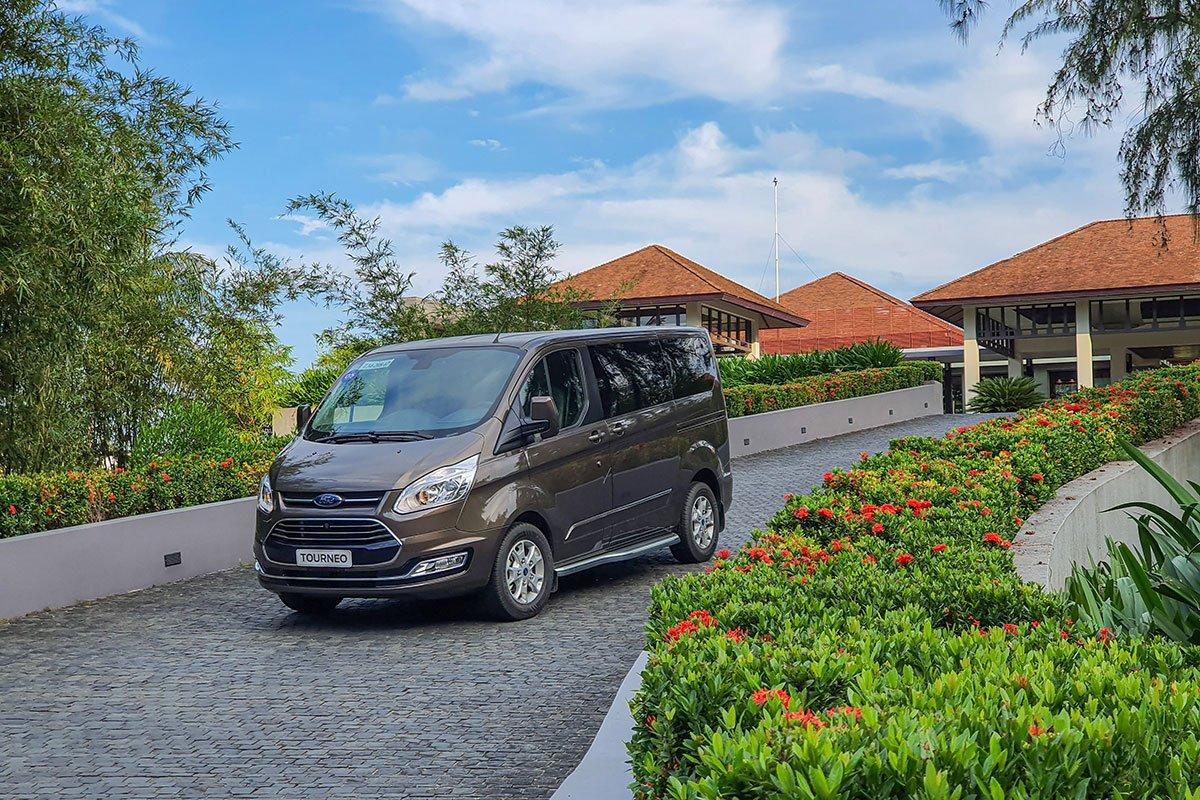 Đánh giá xe Ford Tourneo 2019: Hành trình trải nghiệm Đà Nẵng - Lăng Cô 2.