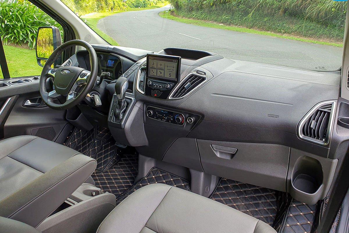 Đánh giá xe Ford Tourneo 2019: Cabin được thiết kế để tối ưu hóa không gian sử dụng.