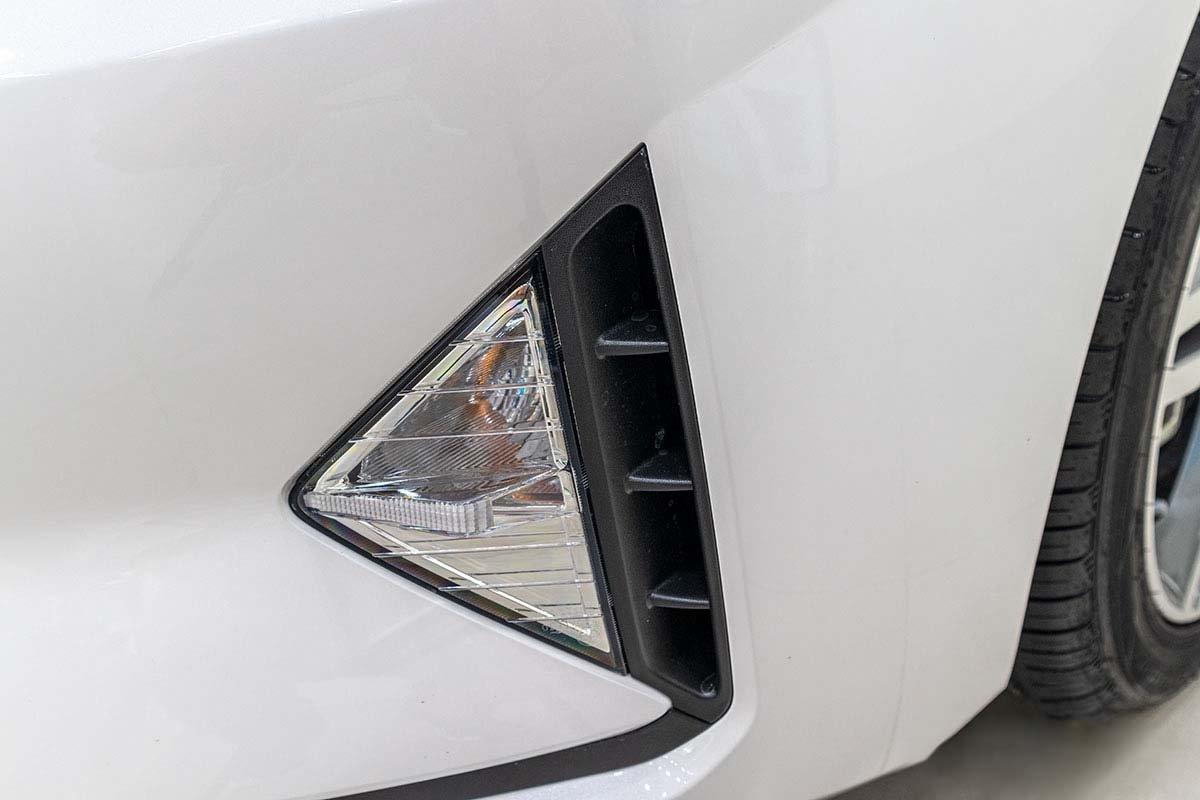 Đánh giá xe Hyundai Elantra 2019: Cụm đèn sương mù.