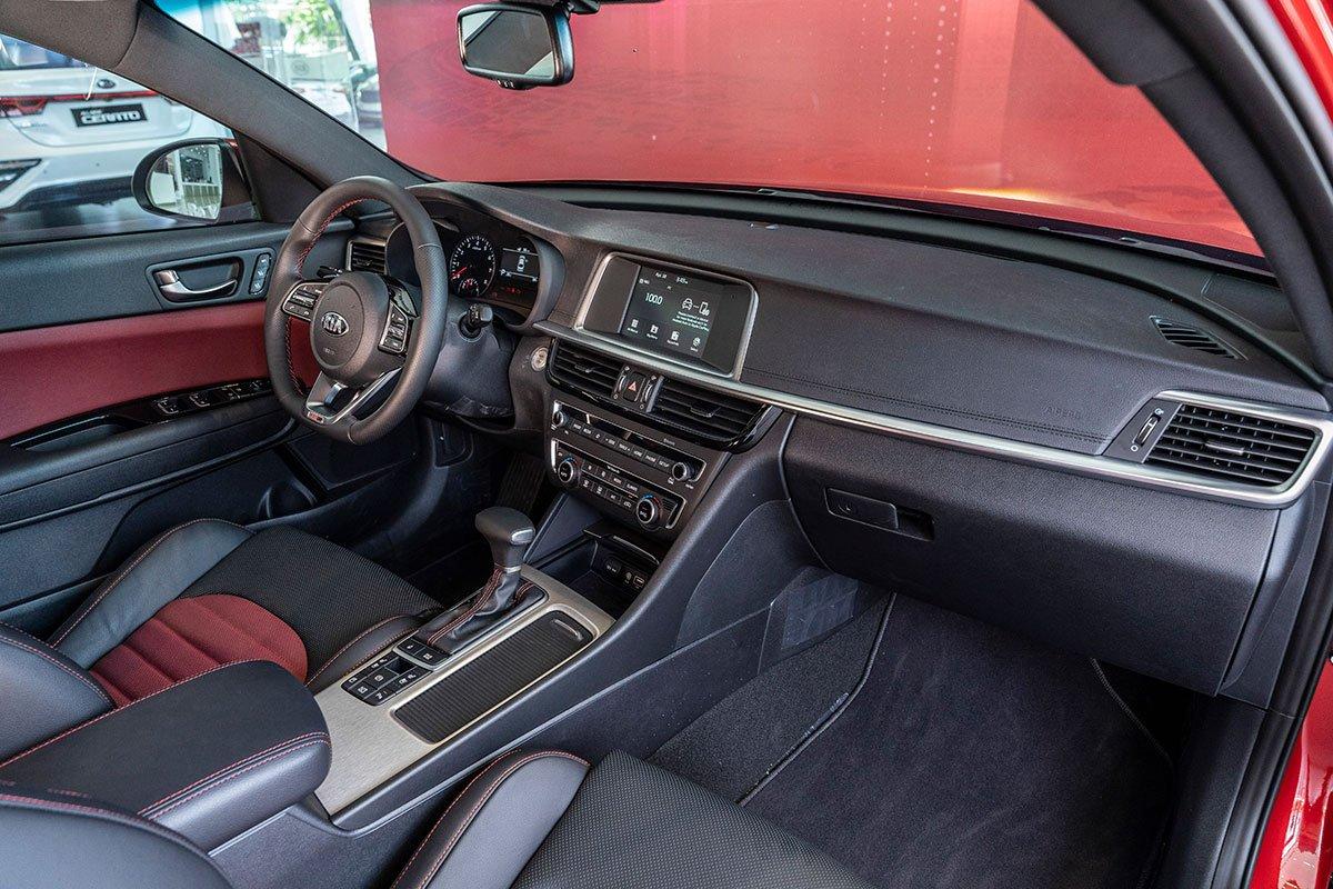 Đánh giá xe Kia Optima 2019: Cabin hiện đại và sang trọng.
