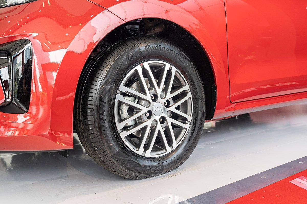Đánh giá xe Kia Soluto 2019: La-zăng hợp kim 14 inch.