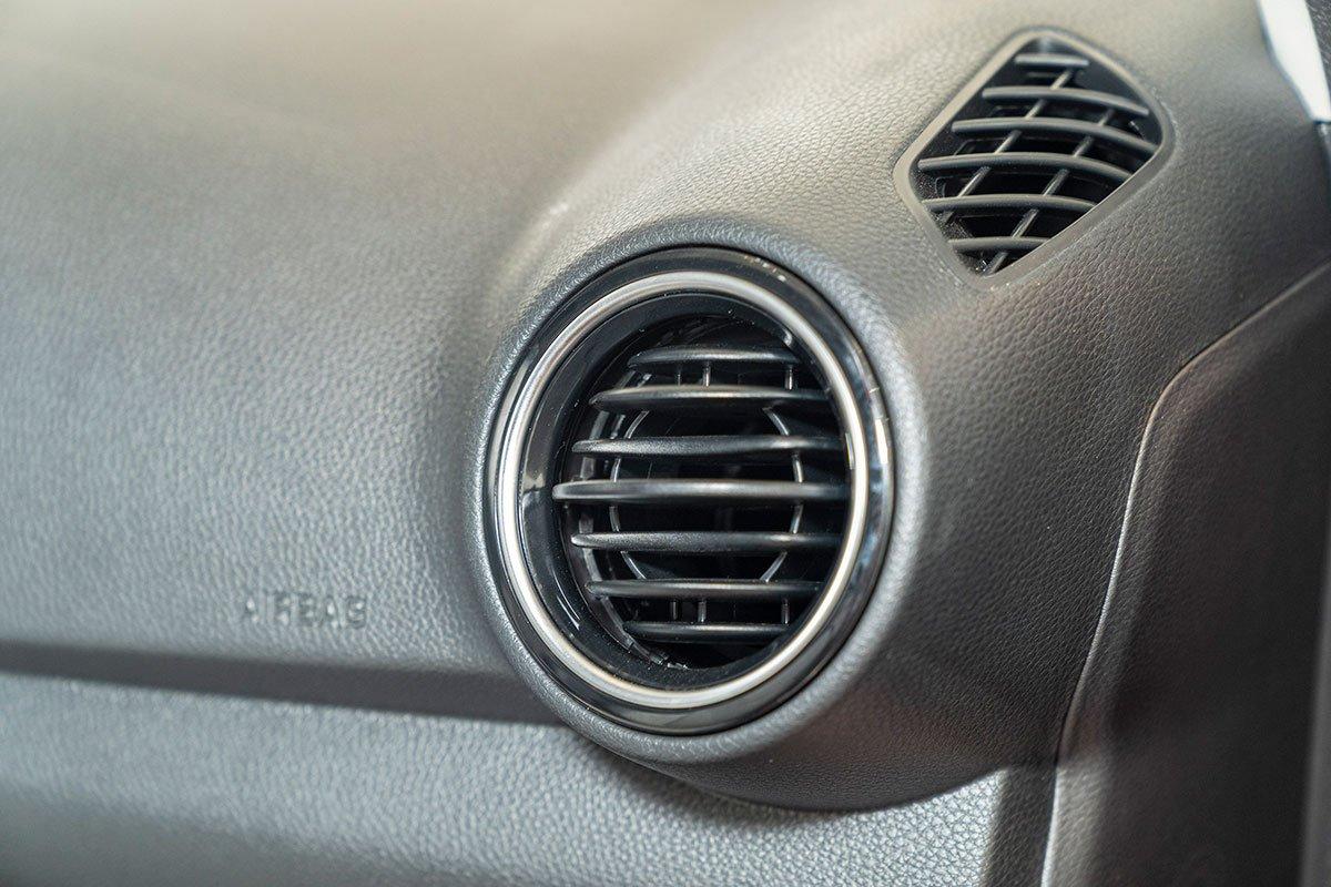 Đánh giá xe Kia Soluto 2019: Cửa gió điều hoà 360.