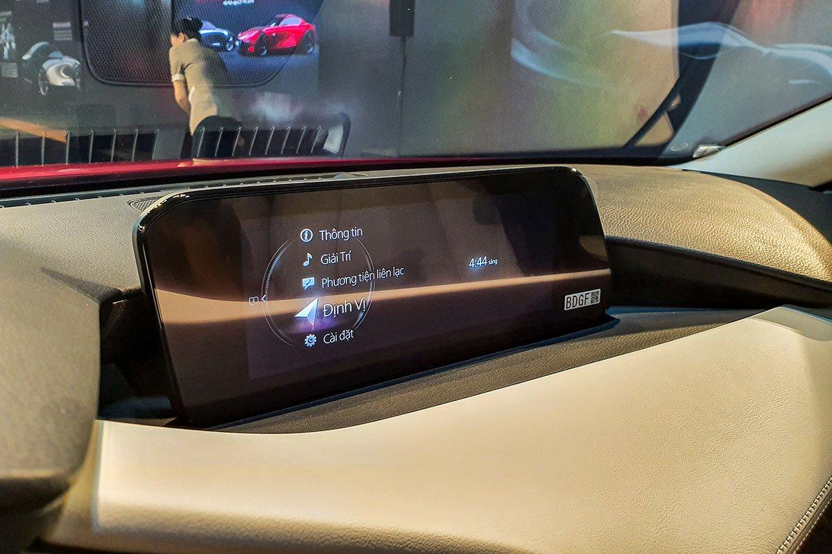 Đánh giá xe Mazda 3 2020 1.5L: Màn hình trung tâm cỡ lớn 8,8 inch.