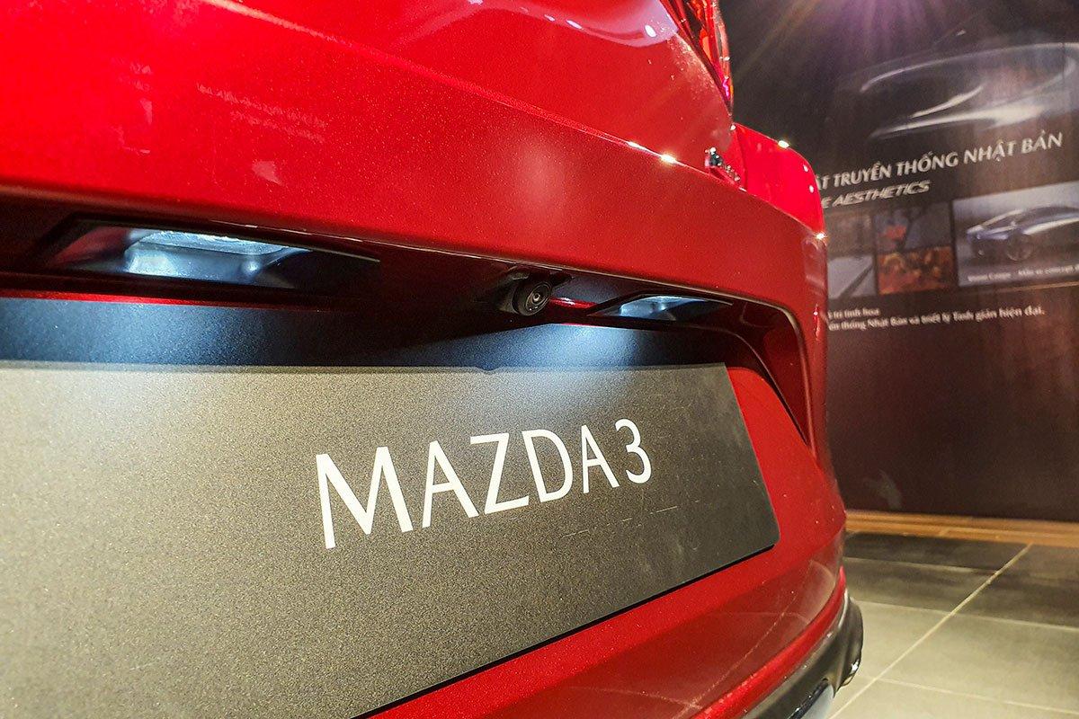 Đánh giá xe Mazda 3 2020 1.5L: Camera lùi.