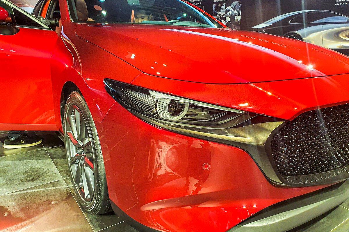 Đánh giá xe Mazda 3 Sport 2020 2.0L Premium: Cụm đèn pha LED.