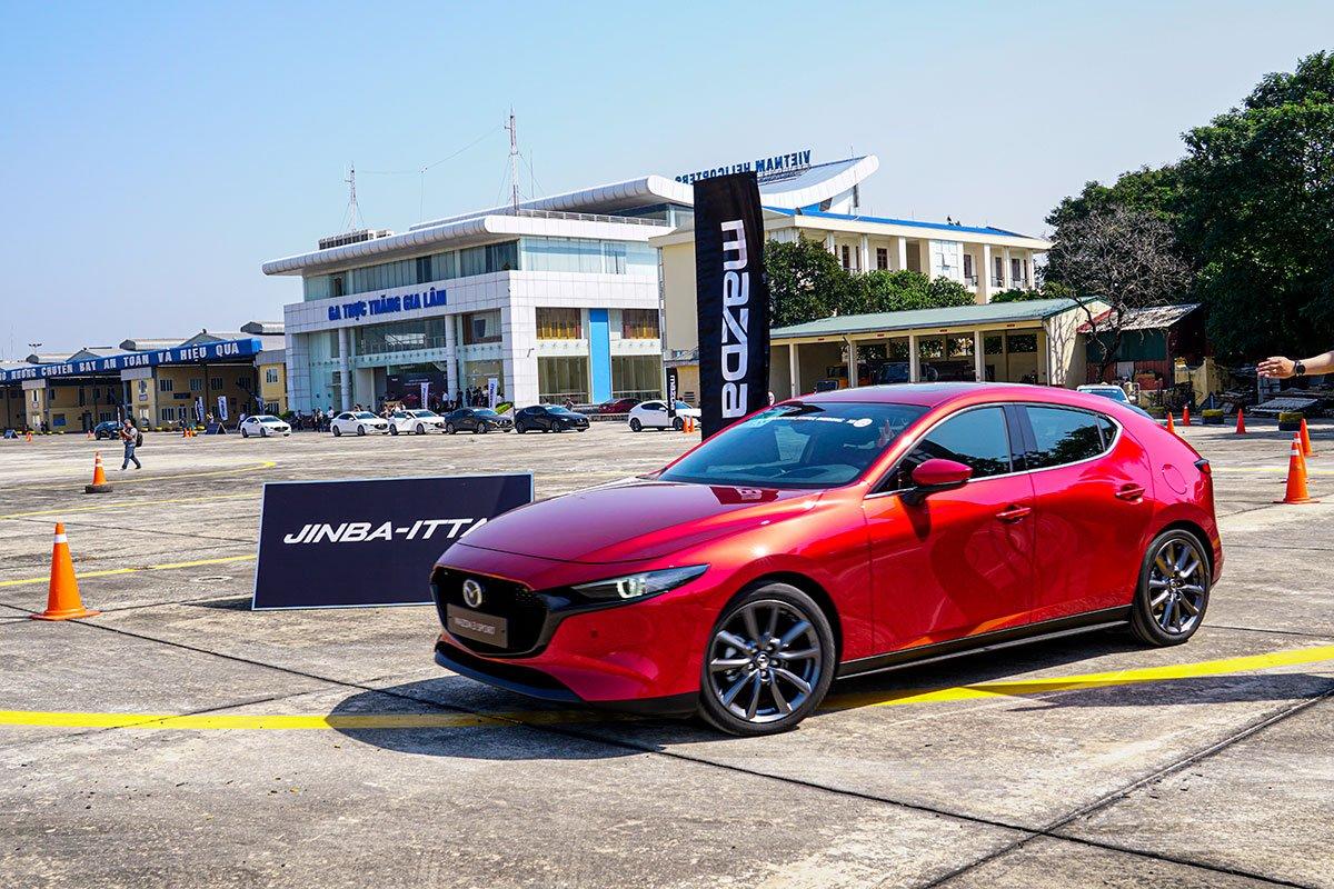 Đánh giá xe Mazda 3 Sport 2020 2.0L Premium: Đây là chiếc xe an toàn nhất phân khúc C hiện có tại thị trường Việt Nam.