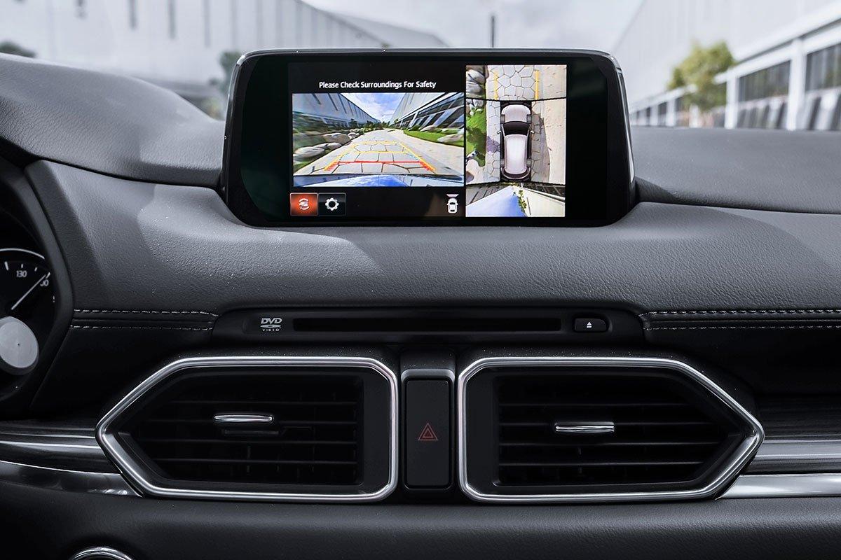 Đánh giá xe Mazda CX-5 2019: Camera 360 lần đầu tiên được trang bị cho mẫu xe này.