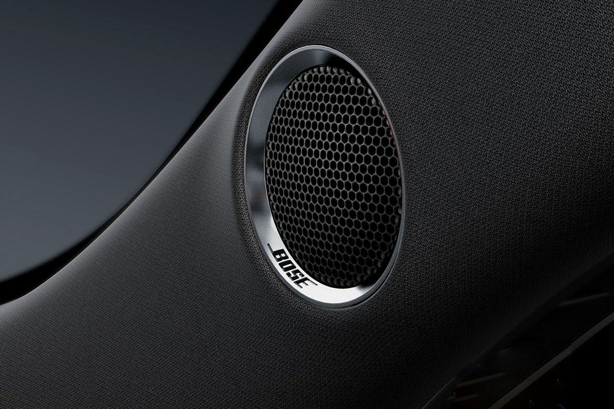 Đánh giá xe Mazda CX-5 2019: Hệ thống âm thanh Bose 10 loa.