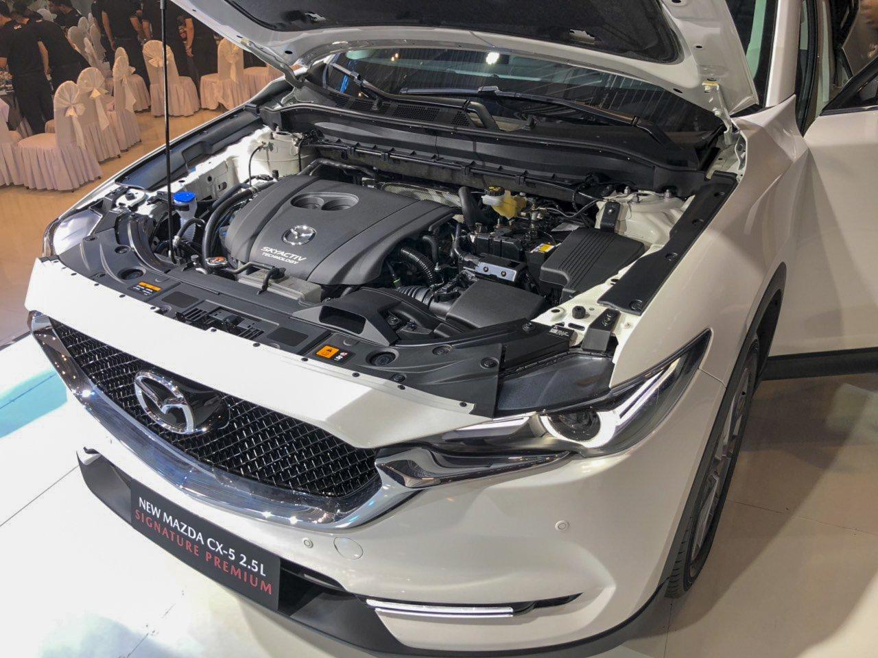 Đánh giá xe Mazda CX-5 2019: Động cơ 2.0L và 2.5L không thay đổi.