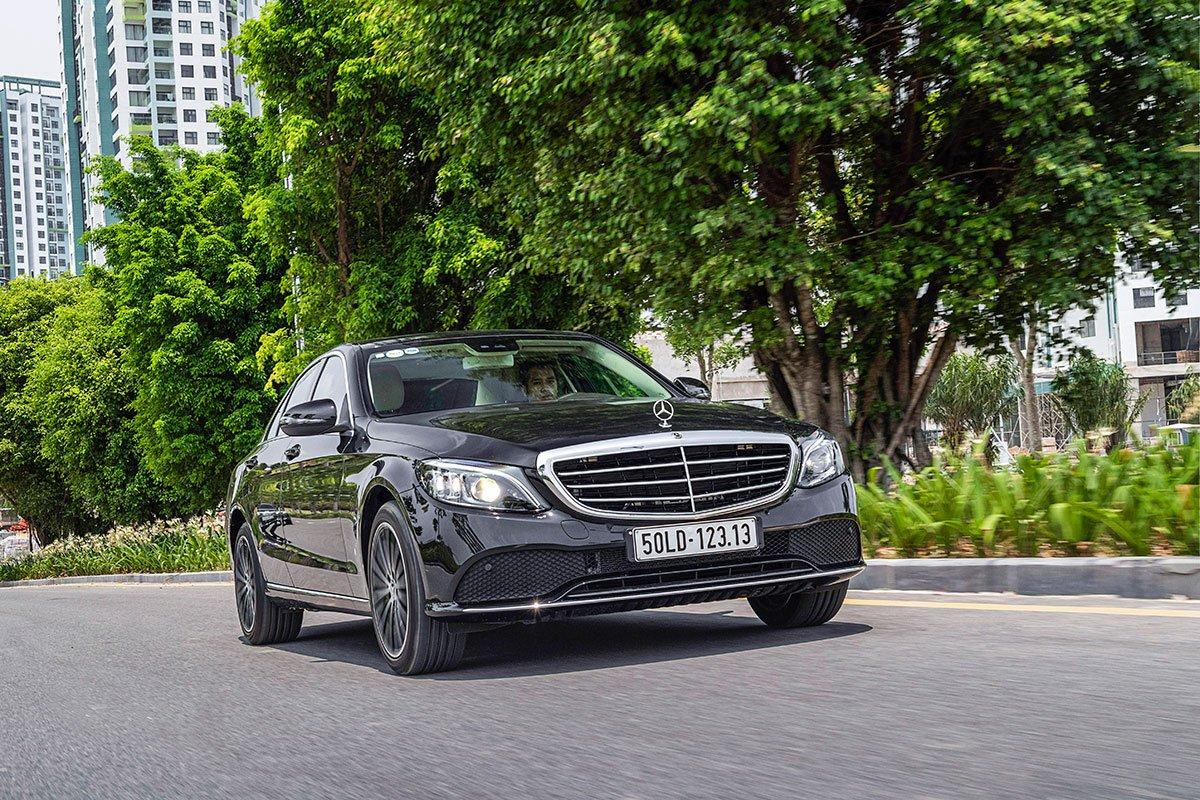 Đánh giá xe Mercedes-Benz C200 Exclusive 2019: Vận hành.